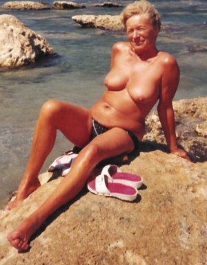 Marie-louisette berlin women classified ads Terrell